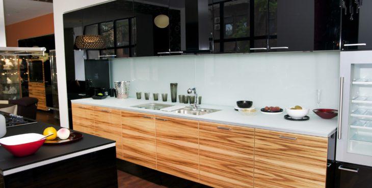 העיזו להשתמש בצבעים כהים ברכישת ארונות מטבח חדשים